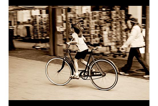 big_bike____small_girl_by_jayfley