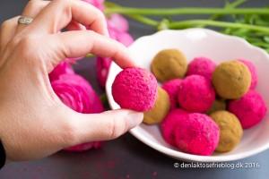 Sundt sødt til påsken: Mælkefri dadelkugler med hindbærsmag