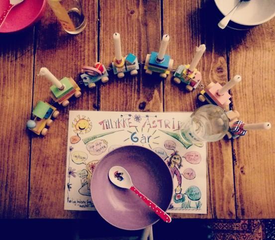Familiefødselsdag borddækning