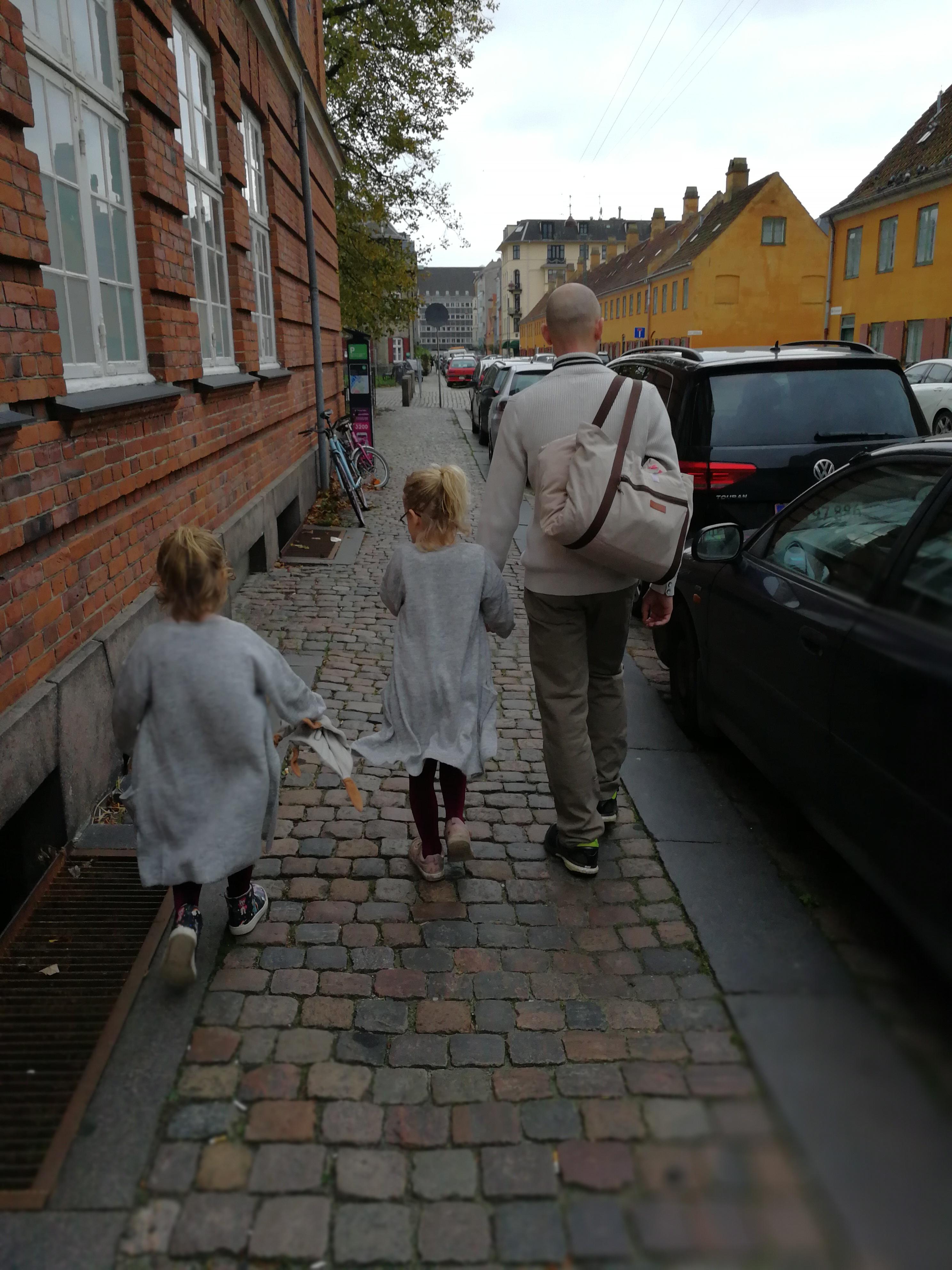 på vej til barnedåb, uge 43