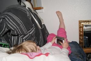 Mor og far kan lige sove en halv time mere sådan her