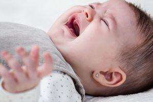 Er du for eller imod at børn skal græde sig i søvn?